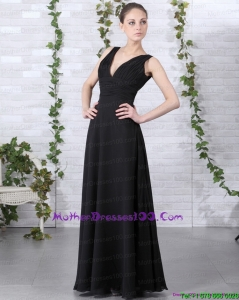 2015 Affordable V Neck Floor Length Mother of the Bride Dress in Black