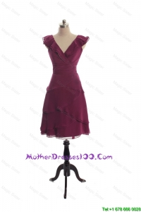 The Super Hot V Neck Burgundy Short Discount Mother of The Bride Dresses with Ruffles