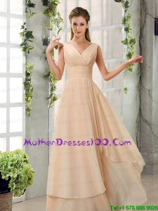 2015 Ruching V Neck Chiffon Mother of the Bride Dresses in Champagne