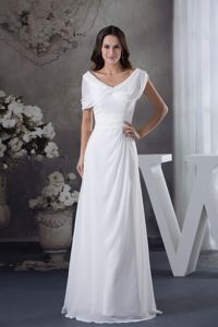 Customized V-neck White Long Mother of Bride Dress with Cape
