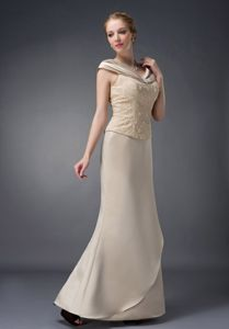 Beaded Lace V-neck Floor-length Mother of the Groom Dresses in Champagne