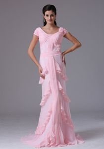 Short Sleeves Column Scoop Baby Pink Mother of the Bride Dresses With Ruffed Layers