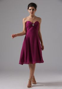 Ruche and Beading Burgundy Sweetheart Knee-length Mother of the Bride Dresses