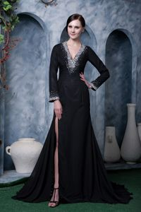 Beaded High Slit Black V-neck Mother Of The Bride Dresses