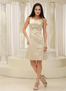 Champagne Knee-length Mother of the Bride Dress with Bowknot