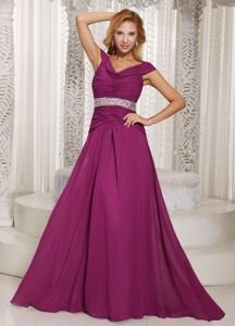 Fuchsia Brush Train Beading Mother of the Bride Outfits with Ruche