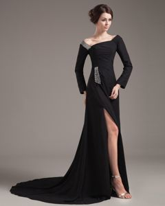 Brush Train Off the Shoulder Chiffon slit Black Mother of the Bride Dresses