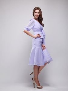Cheap Knee-length Lavender V-neck Mother of the Bride Dresses