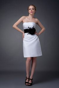 Hot Sale Simple White Mother of Bride Dresses with Black Flower