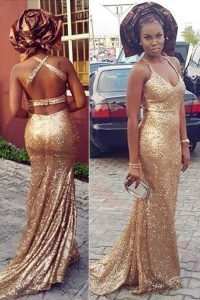Classical Halter Top Sleeveless Sequined With Brush Train Criss Cross Mother Dresses in Gold with Sequins