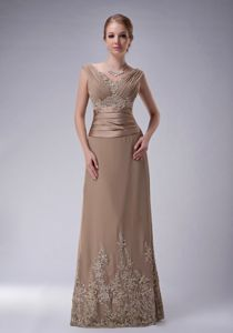 Latest Champagne Chiffon Appliques Floor-length Mother Of The Bride Dress
