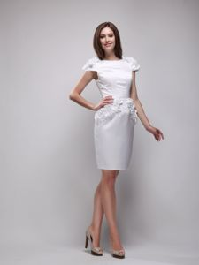 Graceful White Mini-length Mother Bride Dress for Summer Wedding